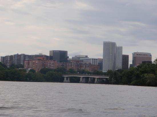 Capitol River Cruises: Rosslyn skyline