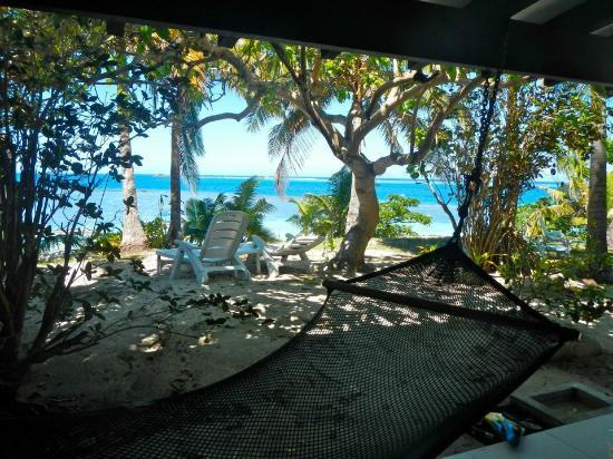 Matamanoa Island Resort : Beach View Bure