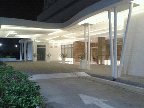Entrada Biotel Suites - Barquisimeto