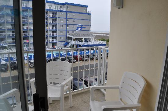 Aqua Beach Resort: View from Alea West Room