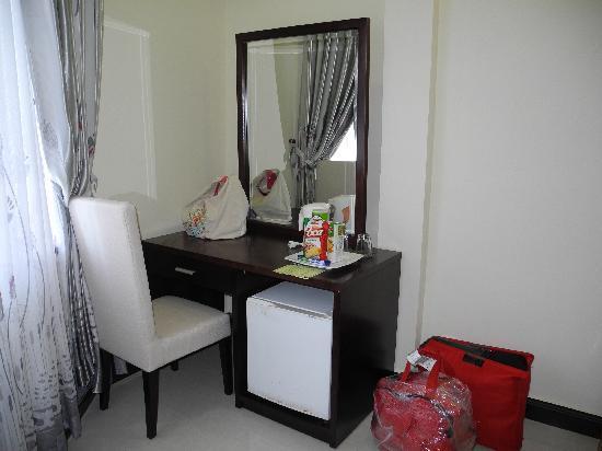 Luxury Nha Trang Hotel: вид в номере STD