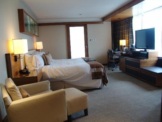 Fairmont Pacific Rim: our room