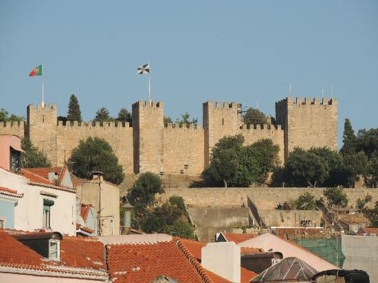 Residencial Florescente: view from my room of Saint George's Castle