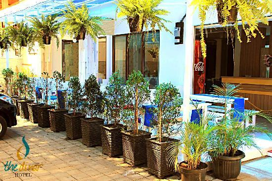 The Dinar Hotel: The Dinar Cafe