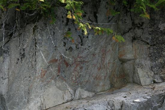 Southeast Sea Kayaks : Native rock paintings