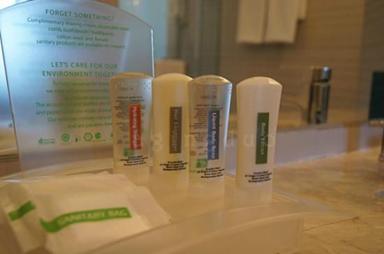 Holiday Inn Pattaya: amenities; need something else…just ask