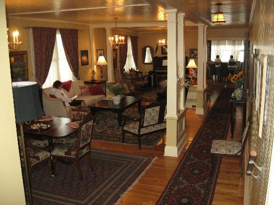 Auberge Sur Mer : The sitting room