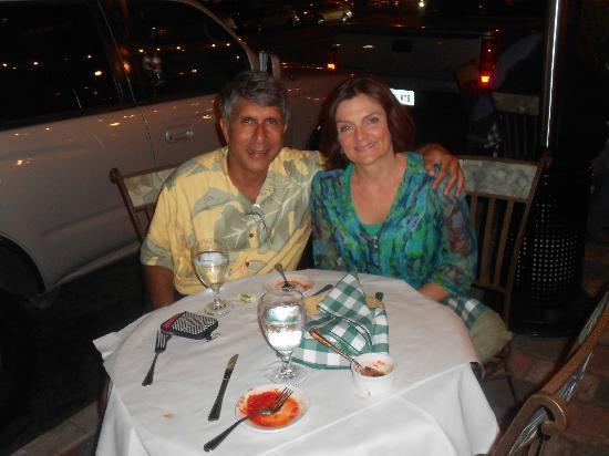 Trattoria I Trulli: Enjoying the dinner al fresco