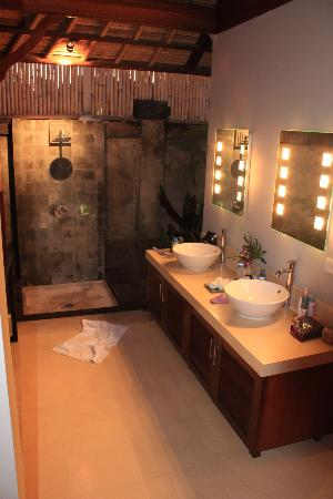 Serene Villas: best bathroom