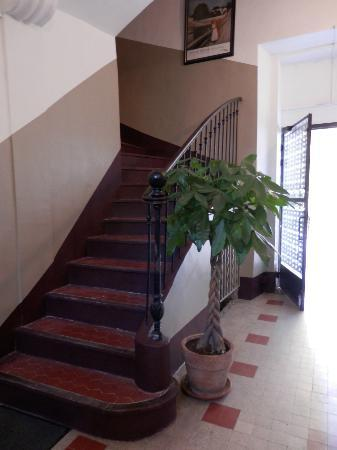 La Maison de Carlotta : Although there are three flights of stairs from entrance it was quite manageable