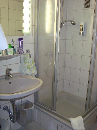 Hotel Italia: Pulito ma sarebbe da ristrutturare