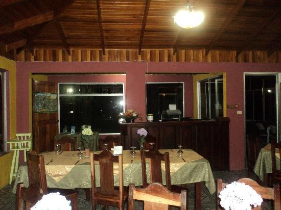 Fusion Grill & Restaurant: Ambiente muy lindo....