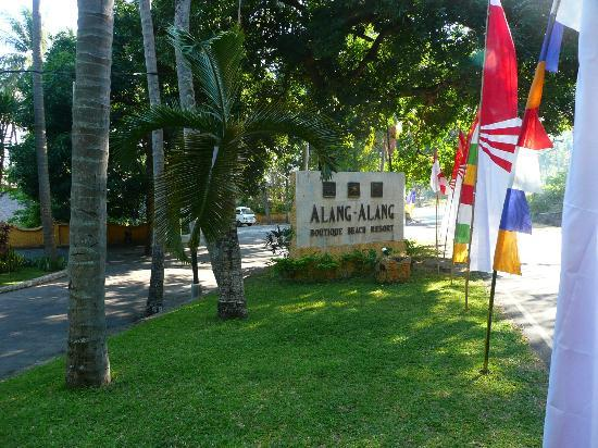 Alang-Alang Boutique Beach Hotel: Entrance