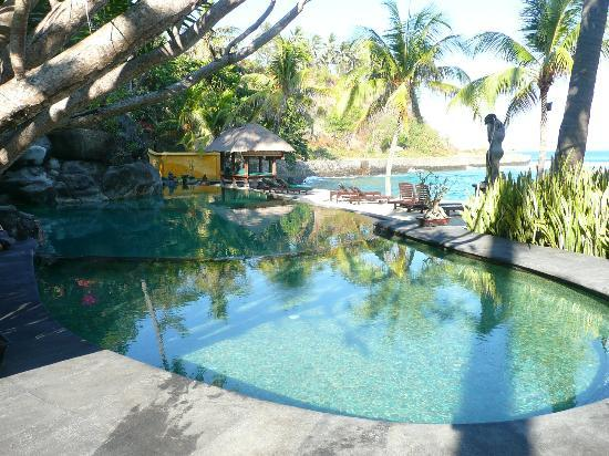 Alang-Alang Boutique Beach Hotel : Pool