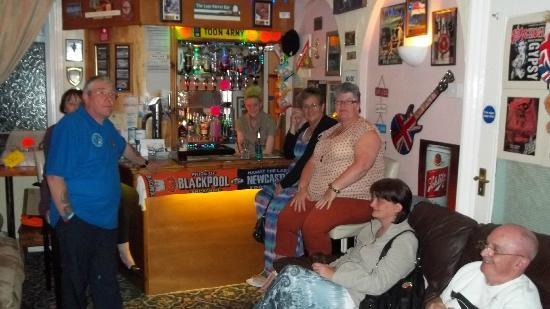 Bedmond Hotel: The bar