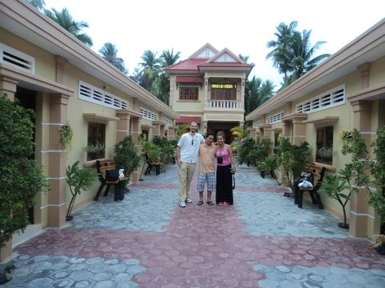 Battambang My Homestay: With the owner Mr. Kun