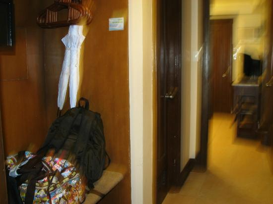 Boracay Regency Beach Resort & Spa: Umbrellas inside the Closet
