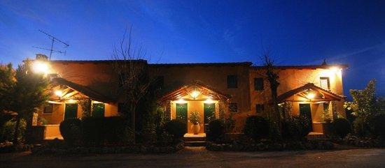 Aphrodite's Inn : Aphrodites inn Kalavrita front of house