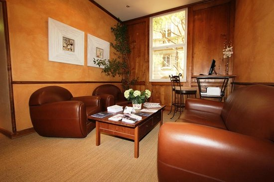 Hotel de l'Horloge : Lounge with PC and printer