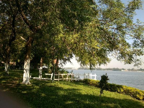 Bhavani Island Resort: You may spend time playing games or just relaxing on the lounge chairs on the grounds by the r