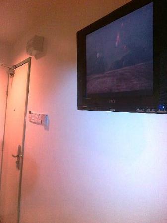M Design Hotel: TV