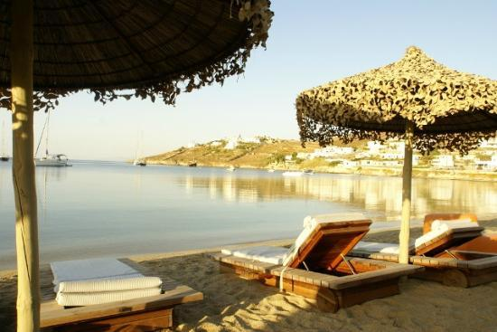 Dionysos Boutique Hotel: Ornos Beach