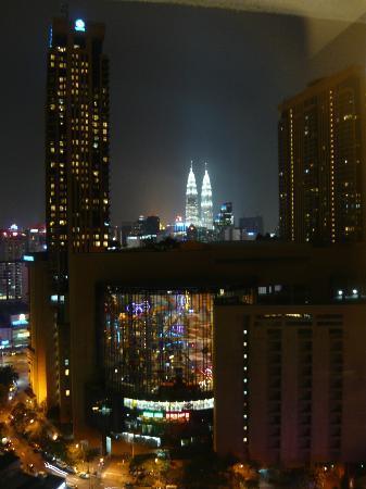 Furama Bukit Bintang: Tours petronas