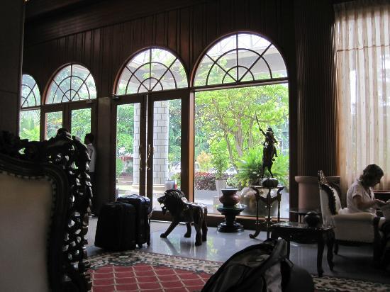 Yuzana Garden Hotel: Lobby