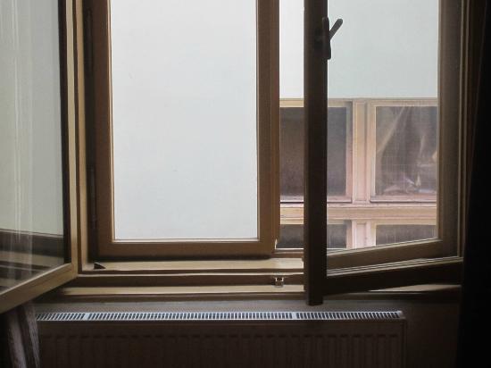 EA Embassy Prague Hotel: Ausblick aus dem Fenster