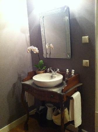 Casa Amora Guesthouse: Quarto Florbela room 3