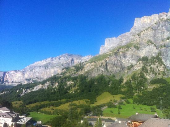 Hotel Paradis: Berge Blick nach rechts 2