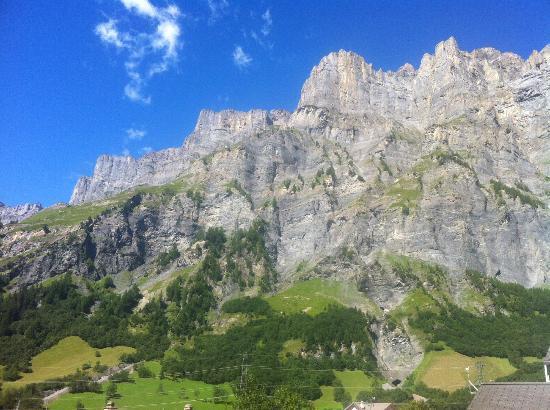 Hotel Paradis: Berge Blick nach rechts