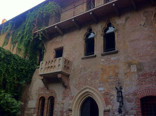 Scritte sui muri picture of casa di giulietta verona - Scritte muri casa ...