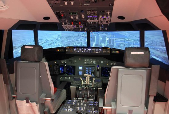 iPILOT Flight Simulator Experience : Cockpit B737