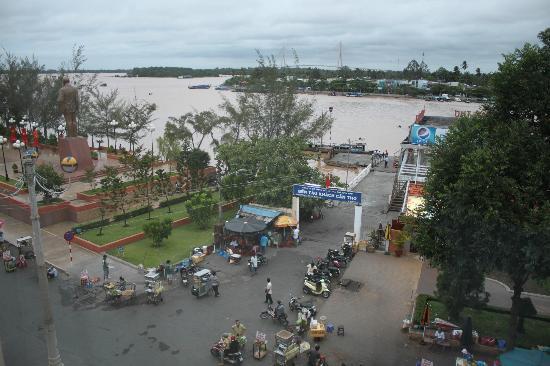 Nam Bo Boutique Hotel: Vistas al puerto
