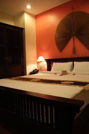 Nam Bo Boutique Hotel: Suite con vistas al puerto