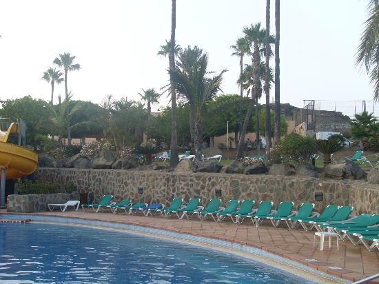 Piscina picture of ifa interclub atlantic hotel san for Piscinas san agustin burgos