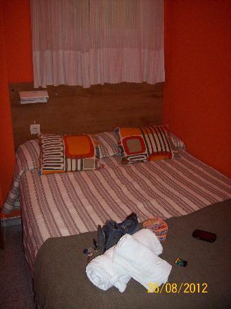 Hostal Alogar: Camera piccolina ma accogliente!