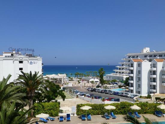 Trizas Hotel Appartments: this is the view in cosmos brochure with no hotels now there is Constantinos, Vrissiana and one
