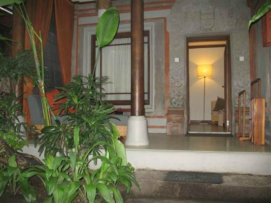 Kuta Seaview Boutique Resort & Spa: Cottage Terrace