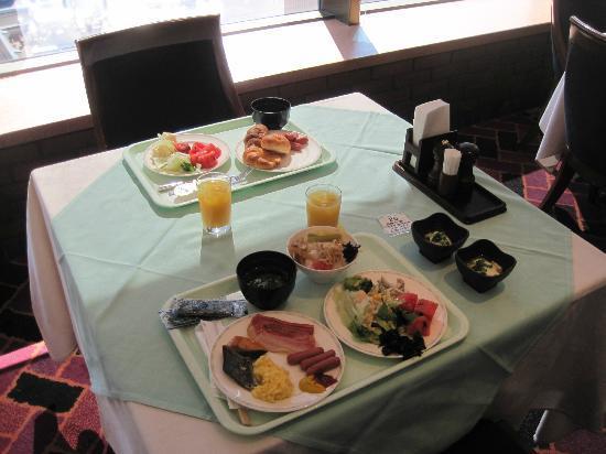 Hotel Keihan Kyoto Grande: Breakfast