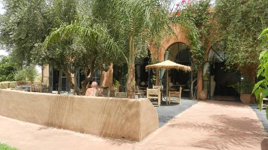 terrasse photo de les jardins d 39 issil marrakech tripadvisor. Black Bedroom Furniture Sets. Home Design Ideas