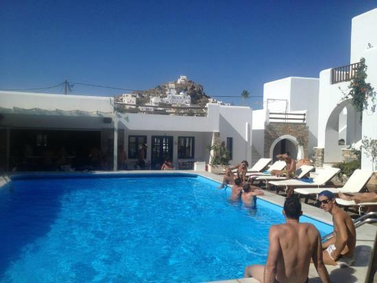 Ios Resort Hotel: laying poolside with Ios town in the background