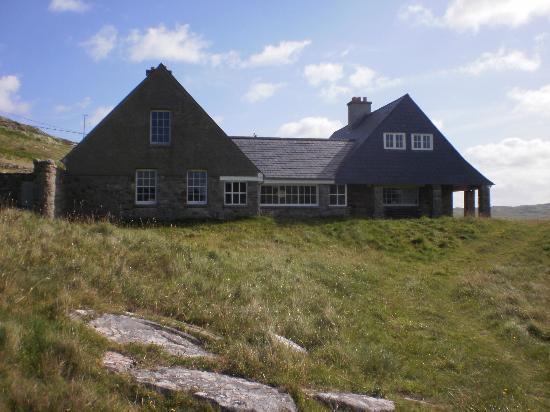Tra Na Rosann Hostel: Old Hunting Lodge