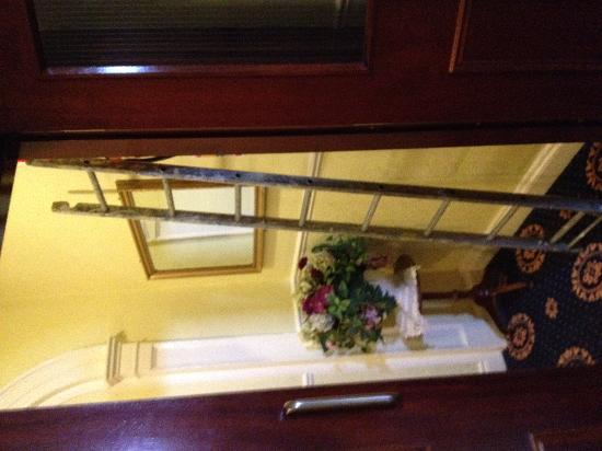 Dergvale Hotel: one of the ladders