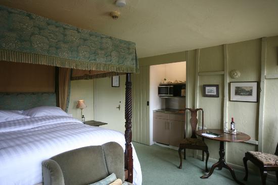 Riber hall matlock villa reviews photos price - Matlock hotels with swimming pools ...
