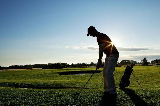 Villiers-le-Mahieu, ฝรั่งเศส: golf