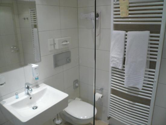 Hotel Kaiserhof: Badezimmer