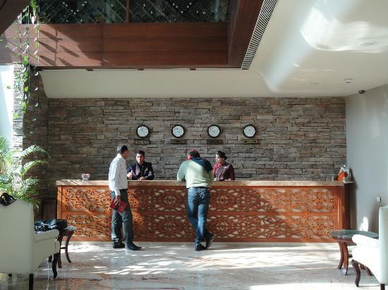 Sai Palace Hotel : Reception