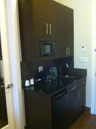 The Condor Hotel: Kitchenette